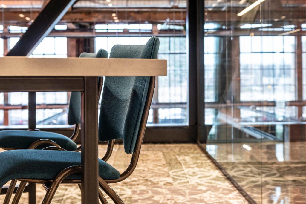 Bureaustoel blauw hout