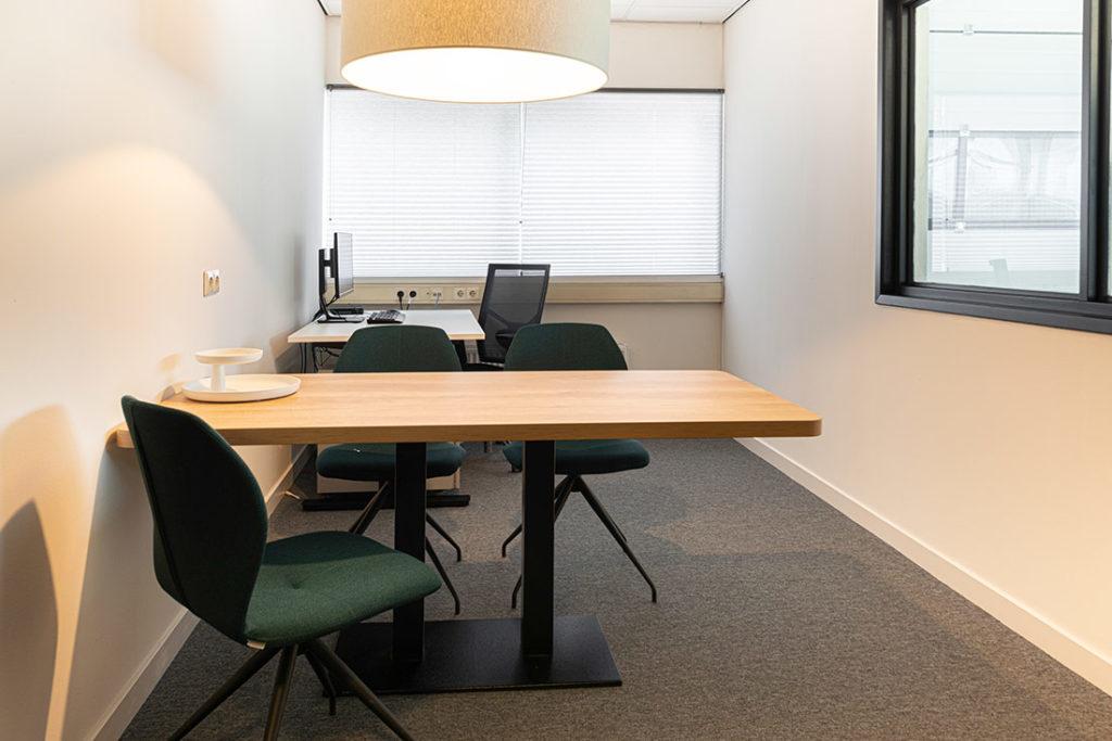 Werkplek kantoor hout zwart