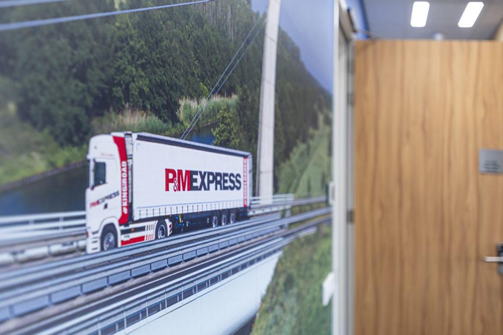 Behang vrachtwagen P&MEXPRESS