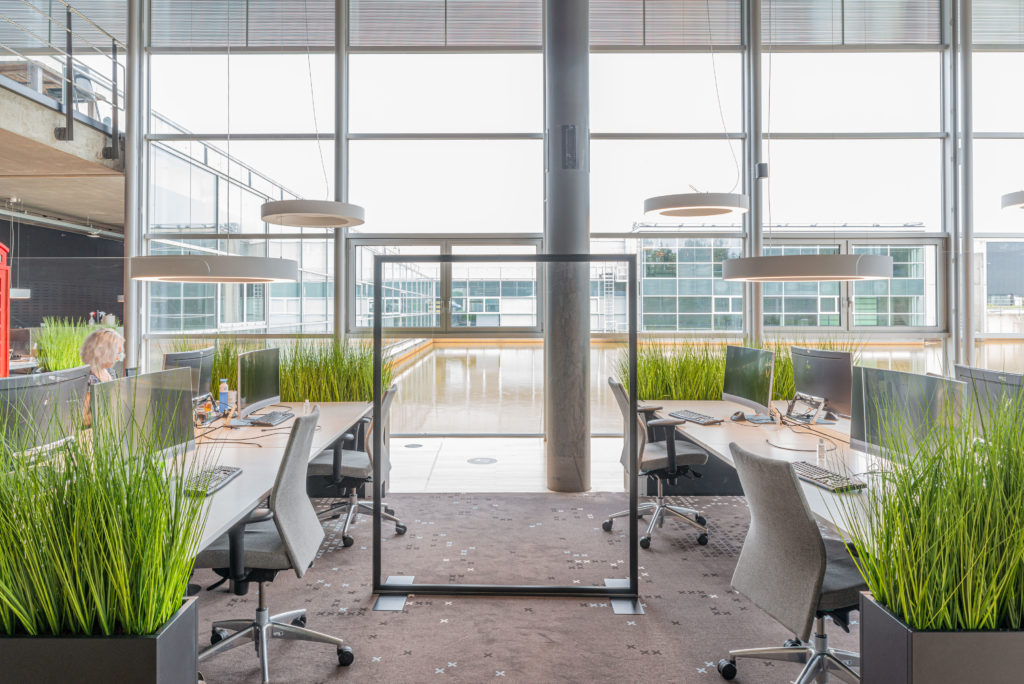 kantoorruimte scheidingswand glas groen