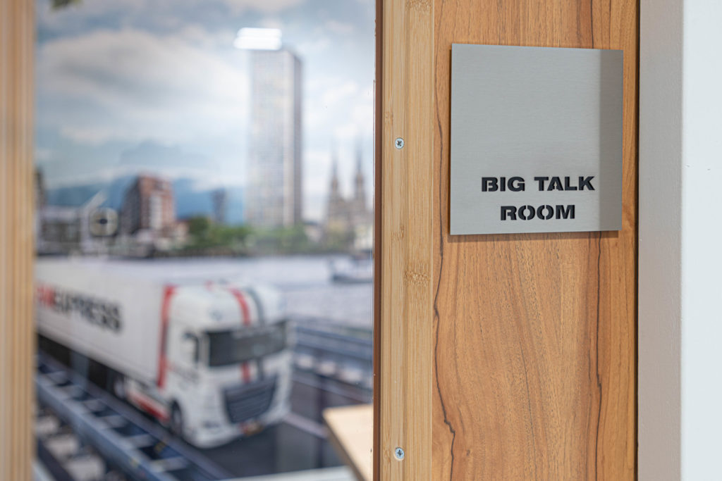 Big talk room plaat hout